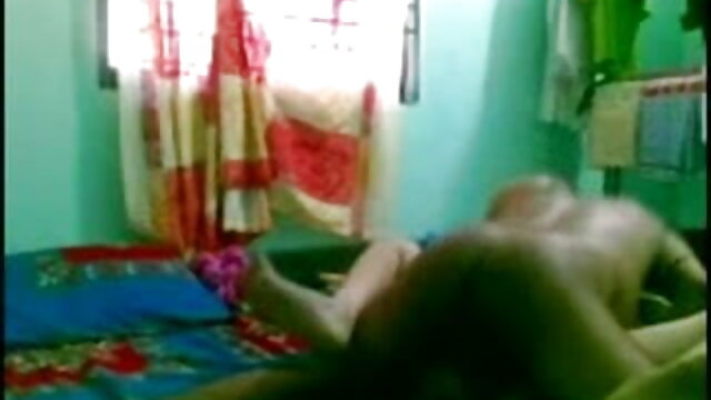 अश्लील कोई पंजीकरण  अन्ना के घर सेक्सी फिल्म बीपी पर छापा मारा