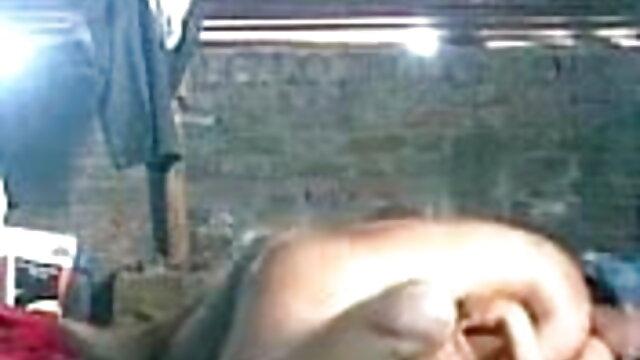 अश्लील कोई पंजीकरण  उसके सेक्सी पिक्चर व्हिडिओ बीपी चेहरे पर कमिंग