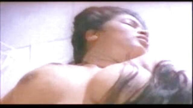 अश्लील कोई पंजीकरण  मारी डेकोक्स-रूसी क्रॉसड्रेसर फुल बीपी सेक्सी फिल्म मारी मुर्गा पथपाकर (2018)
