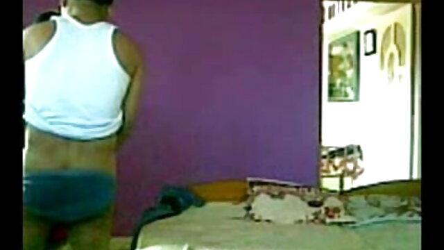 अश्लील कोई पंजीकरण  Doryann बीपी सेक्सी फिल्म ओपन Marguet के साथ एक पट्टा पर dildo