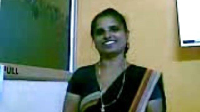 अश्लील कोई पंजीकरण  निम गुलाबी काले नीचे पहनने के कपड़ा में एक्स बीपी फिल्म धकेल दिया